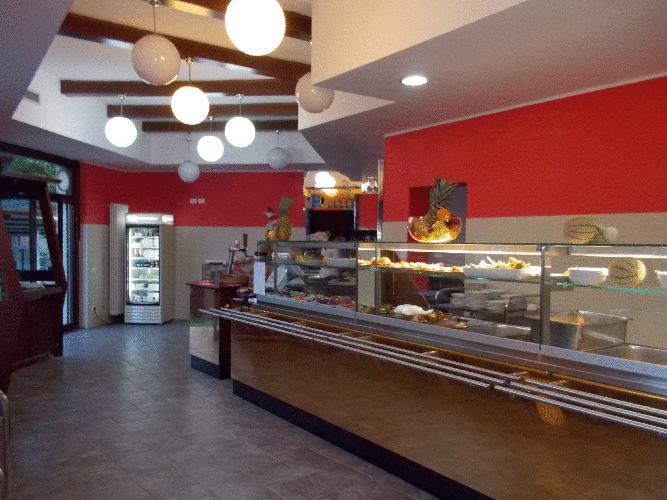 <span class='second-part'>Arredamento ristorante self service Desert rose </span> Milano