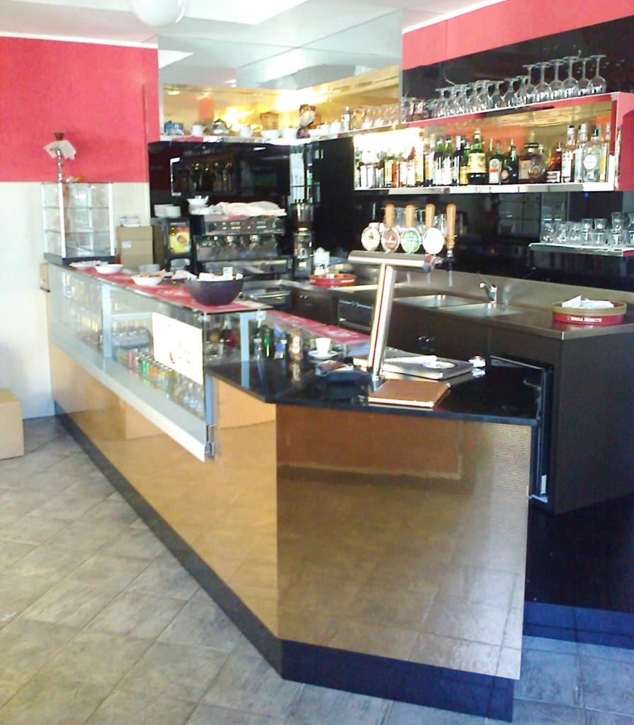 Arredamento ristorante self service desert rose milano for Arredamento economico milano