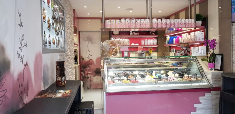 <span class='second-part'>Gelateria in rosa </span> Germania