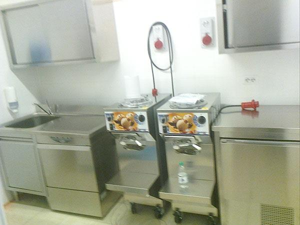 costruzione arredamento gelateria-min